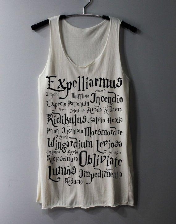 Je les achèterais bien tous, les t-shirts de citations Harry Potter. 11€ sur Etsy